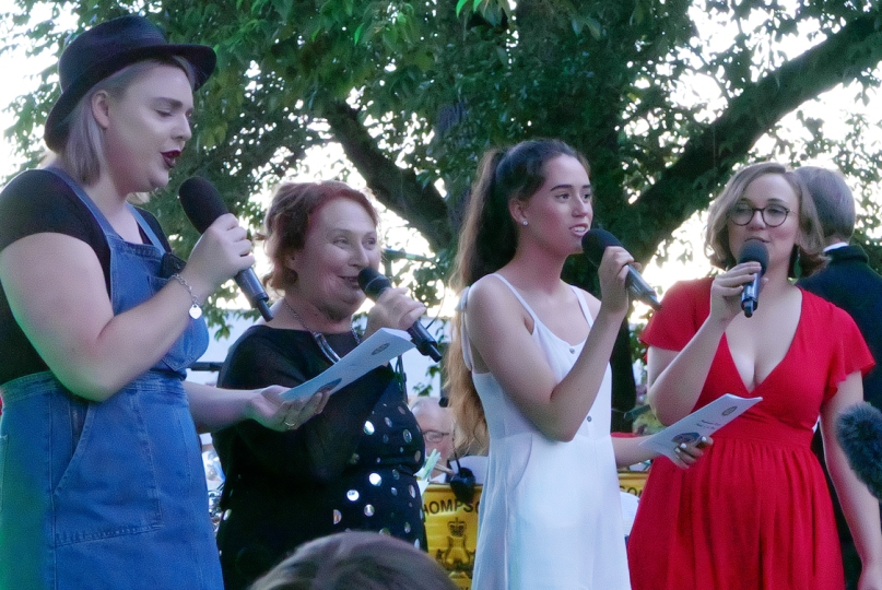 Maya_Rotary Christmas Carols in the Park_Castlemaine_20171222_0102a